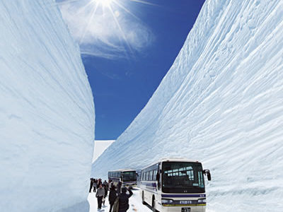 Unique Snow Corridor in Kurobe